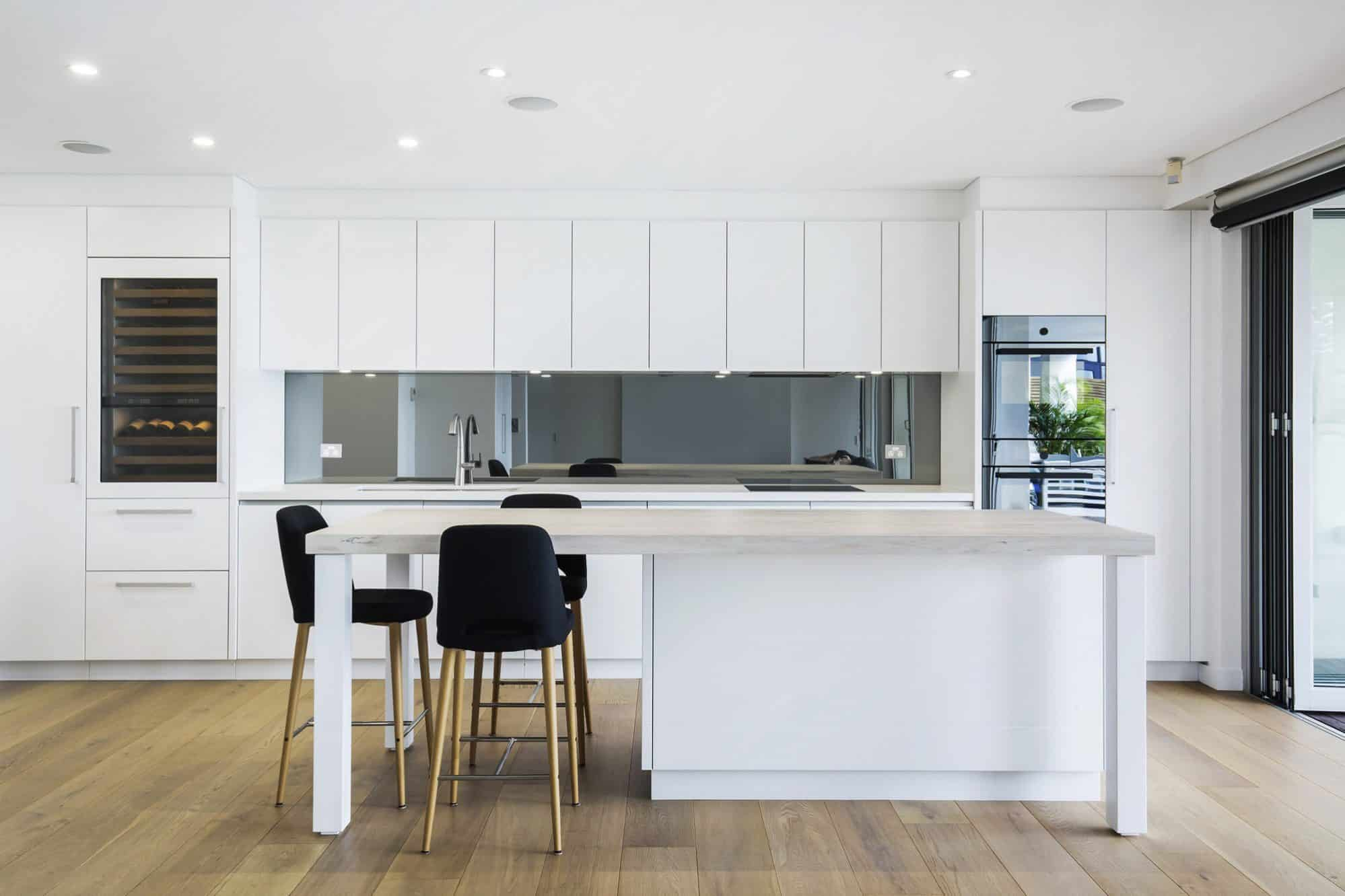 Coogee Beach Apartment Kitchen 001